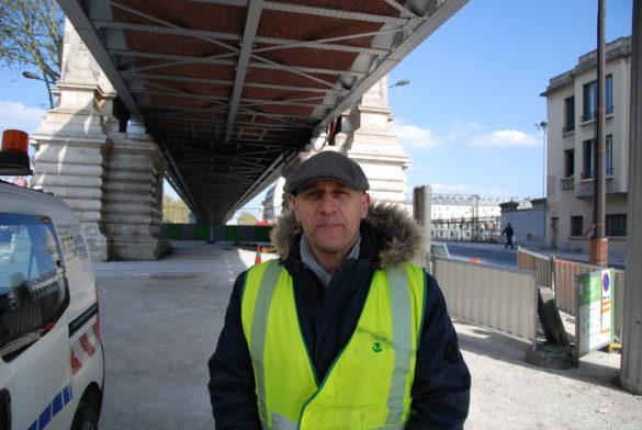 Yann Sévérini, 48 ans, encadre les membres de la fonctionnelle l'après-midi. (Photo: Antoine Trinh)